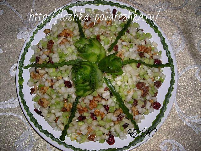 Салат из груши и огурцов