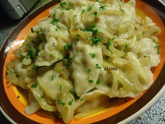 Как приготовить вареники из сырой картошки