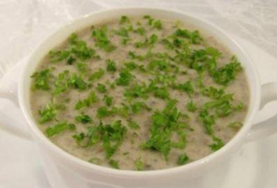 Сливочный суп-пюре с шампиньонами и зеленью