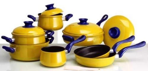 Посуда желтого цвета