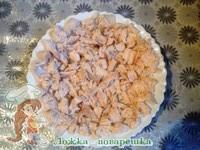 Салат с черносливом, курицей и грецкими орехами