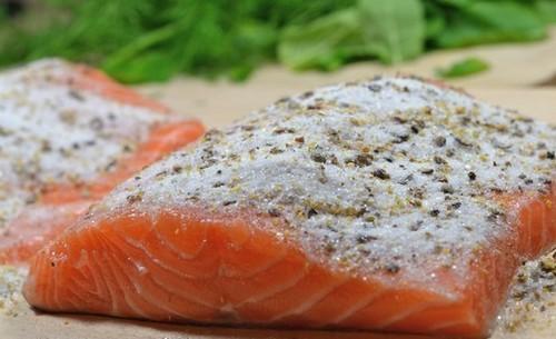Как засолить лосося в домашних условиях