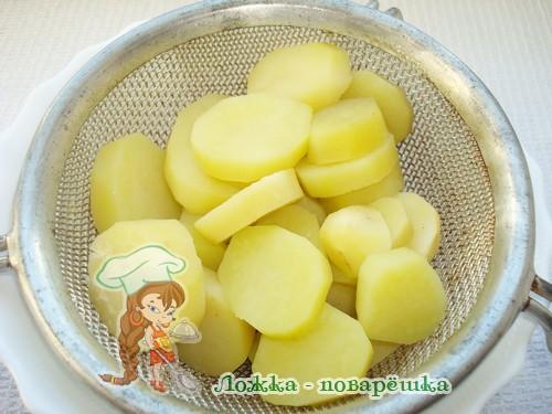 Отварной картофель для салата