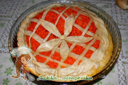 Открытый тыквенный пирог из слоеного теста