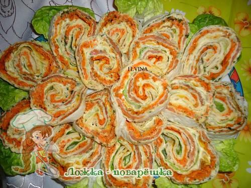 Рулет из лаваша с корейской морковкой