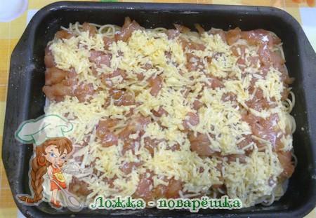 Макароны с курицей под соусом
