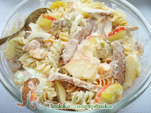 Салат из молок лососевых рыб с макаронами