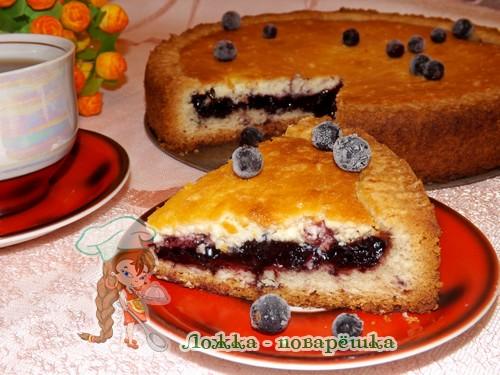 Пирог с черникой из песочного теста