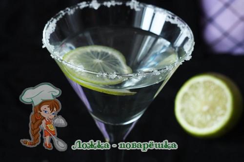 Напиток с имбирем и лаймом