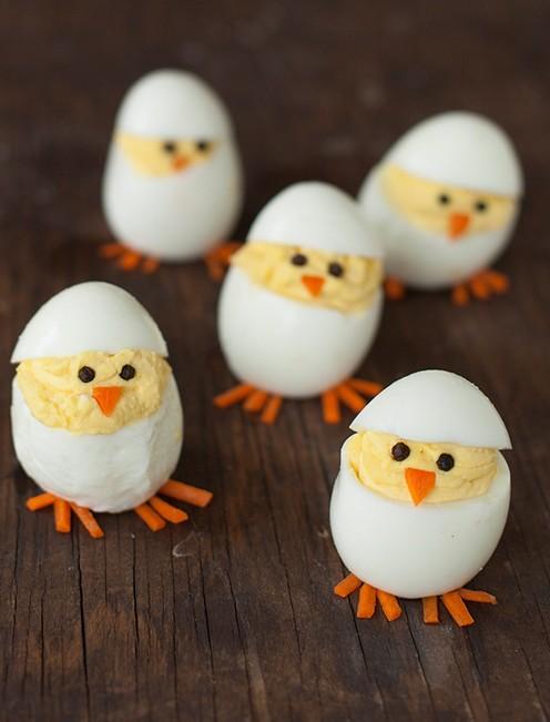 Пасхальные цыплята из яиц фото