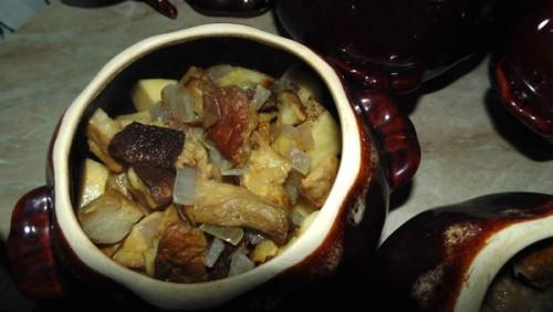 Картофель в духовке с грибами