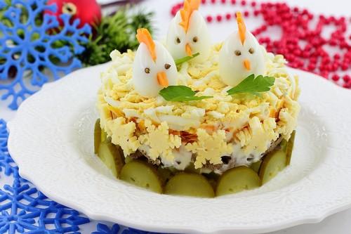 Новогодний салат «Петушки»
