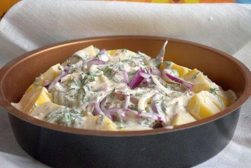 Пикша в духовке с картофелем