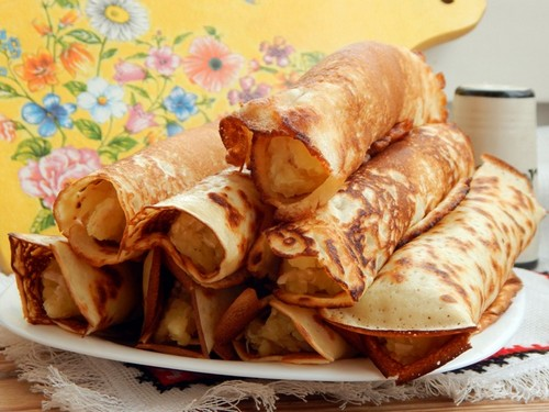 Блины на кипятке с курицей и картофелем