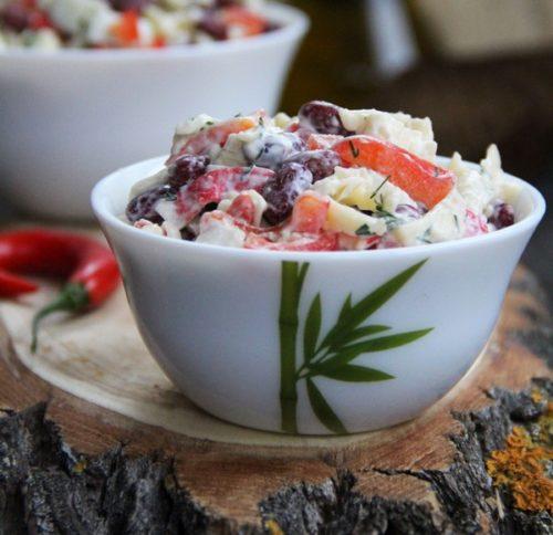 Салат с крабовыми палочками и фасолью рецепт