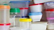 Почему пластиковая тара для хранения продуктов крайне нежелательна