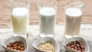 Из чего готовят самое вкусное растительное молоко