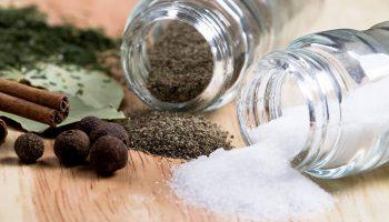 Почему соль и перец неизменно присутствуют на любом застолье