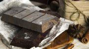 Почему на шоколаде со временем появляется белый налет
