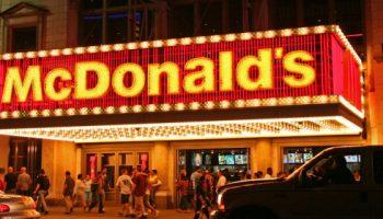 Почему салат «Цезарь» в Макдональдсе вреднее гамбургера