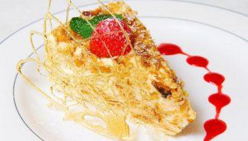 Почему настоящее пирожное «Наполеон» должно быть треугольной формы