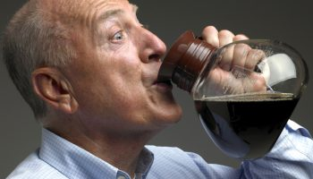Что такое кофейное «похмелье» и откуда оно берется