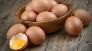 Как отличить вареное яйцо от сырого, не разбивая скорлупу