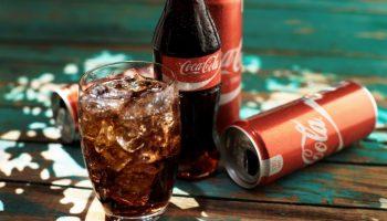 Сколько кофеина в чашке обычной кока-колы