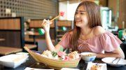 5 привычных продуктов, которые японцы едят очень странным способом