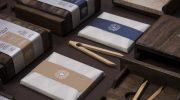 Деревянный пинцет и инструкция на сто страниц: как упаковывают самый дорогой шоколад (To'ak Chocolate)