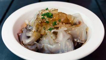 Рагу, салаты и даже мороженое: в какие блюда в Японии принято добавлять медуз