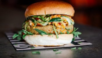 5 известных на весь мир бургеров, придуманных специально для веганов