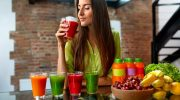 Почему свежевыжатые соки не так полезны, как утверждает реклама