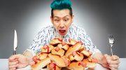 Самые нереальные рекорды по поеданию еды из книги Гиннеса
