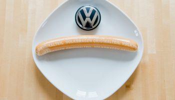 Автомобили или сосиски – что выпускают на заводе Volkswagen