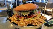 500 долларов посетителю за съеденный бургер: в чем подвох от ресторана