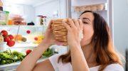 5 причин, по которым мы едим, когда не хочется