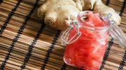 Почему консервированный имбирь практически всегда розового цвета