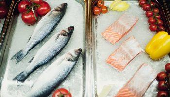 Как без труда определить свежесть рыбы