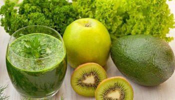 5 рецептов полезных смузи для очищения организма