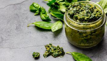 Чимичурри — аргентинский соус, который может приготовить каждая хозяйка