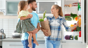 Какие продукты обязательно должны быть в холодильнике, если в семье есть дети